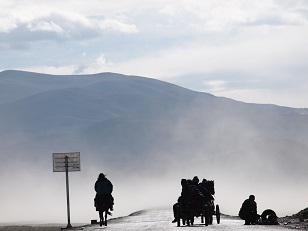 チベットの道.jpg