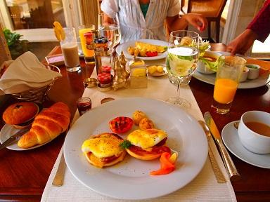 朝食ビュッフェ.jpg
