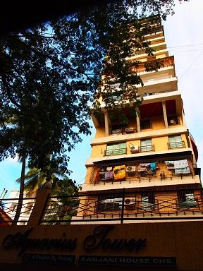 ムンバイのマンション.jpg