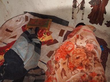ヒンバ村の寝床.jpg