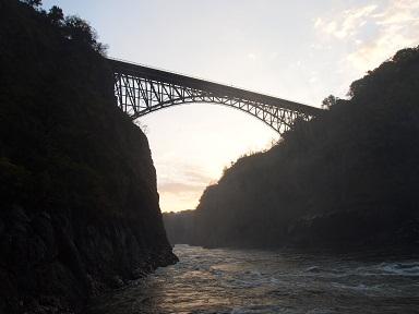 ビクトリアの滝バンジージャンプ.jpg