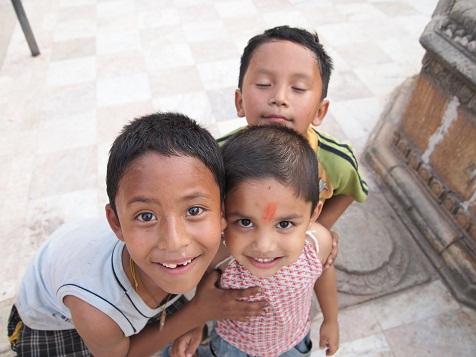 ネパールの男の子.jpg