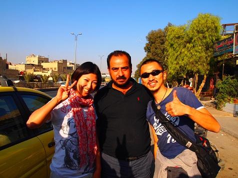シリア国境越えを共にしたタクシーの運転手.jpg