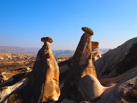 キノコ岩.jpg