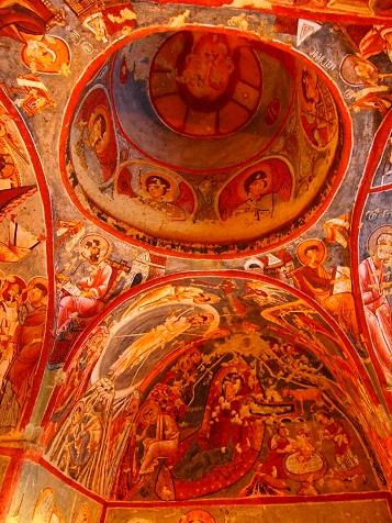洞窟教会の中.jpg