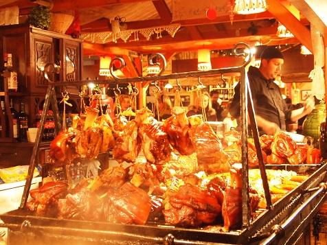 ブダペストクリスマスマーケット肉屋.jpg
