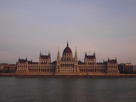 ブダペスト国会議事堂.jpg