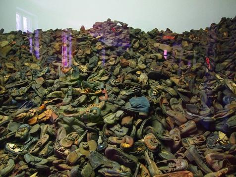 没収された靴.jpg