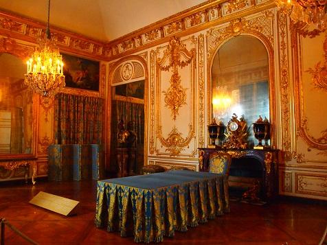 ベルサイユ宮殿内2.jpg