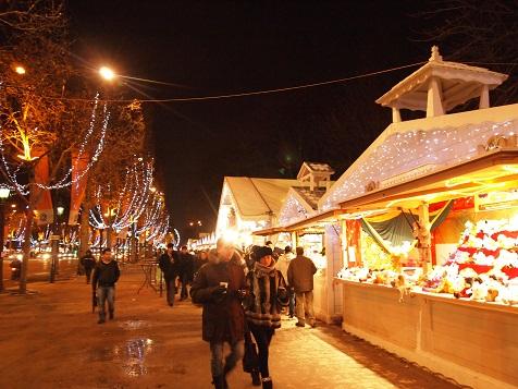 パリのクリスマスマーケット.jpg