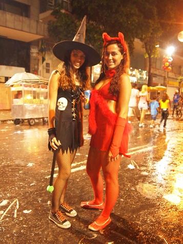 Rio Branco通りのカーニバル2.jpg