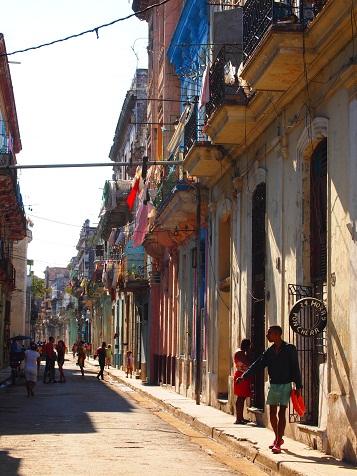 ハバナの街並み2.jpg