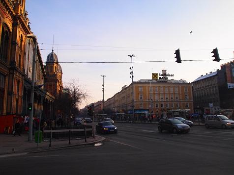 ブダペストの交差点.jpg